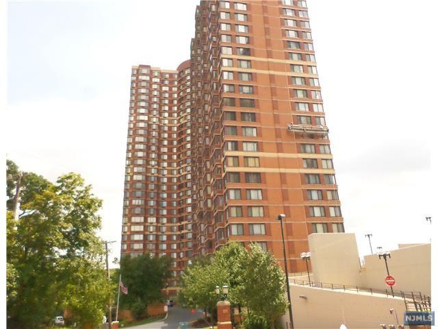 100 Old Palisade Rd #3216, Fort Lee, NJ 07024