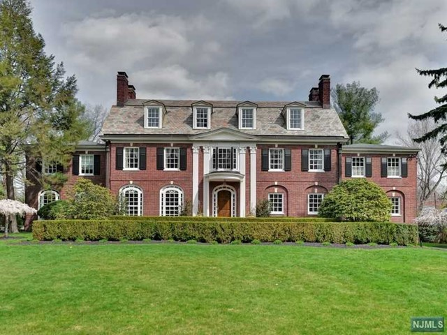 Single Family Home for Sale at 32 Llewellyn Rd 32 Llewellyn Rd Montclair, New Jersey 07042 United States