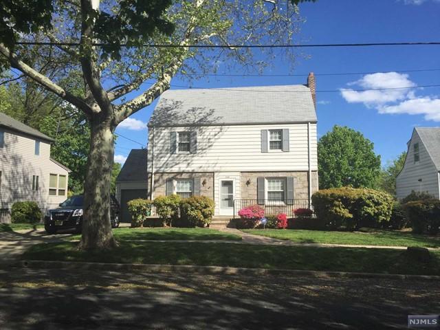 556 Abbott Ave, Ridgefield, NJ 07657