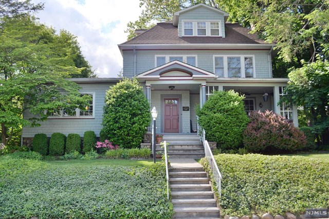 120 Claremont Rd, Ridgewood, NJ 07450