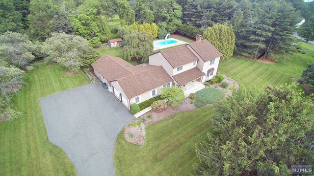 Additional photo for property listing at 15 Cobbler Ln  Mahwah, Nueva Jersey,07430 Estados Unidos