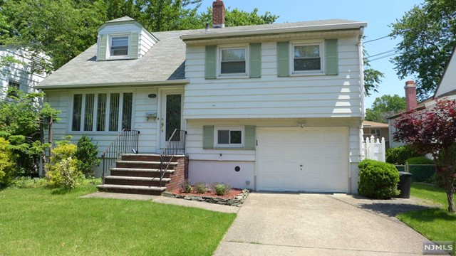 749 Lancaster Rd, Ridgefield, NJ 07657