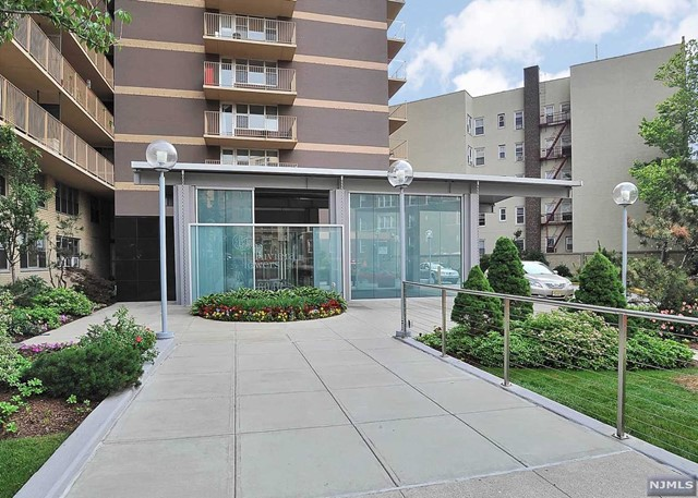 6040 Boulevard East 10E, West New York, NJ 07093