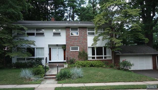 1522 Sussex Rd, Teaneck, NJ 07666