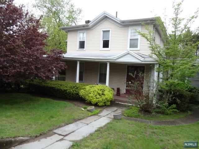 65 County Rd, Demarest, NJ 07627