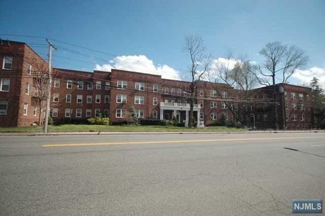 975 Teaneck Rd 3E, Teaneck, NJ 07666