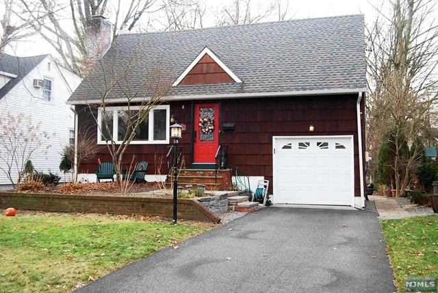 322 Marshall St, Ridgewood, NJ 07450