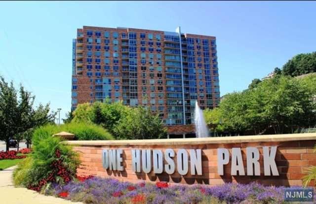 1606 Hudson Park, Edgewater, NJ 07020