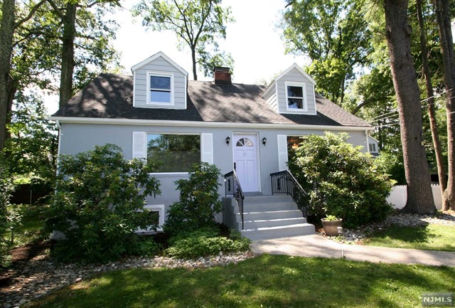 76 Lakeview Ave, Ringwood, NJ 07456