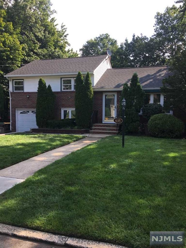 635 Mabie St, New Milford, NJ 07646