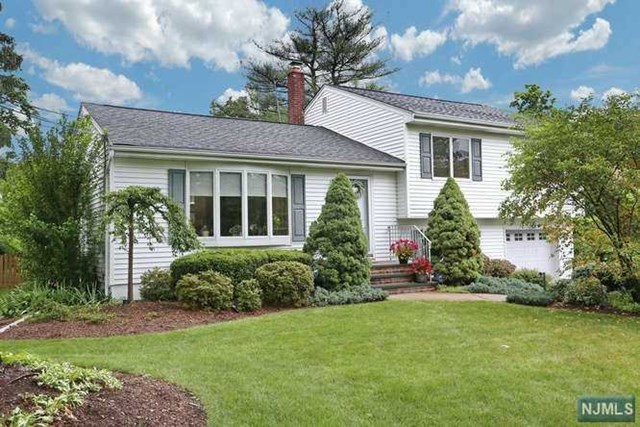 159 Gaynor Pl, Glen Rock, NJ 07452