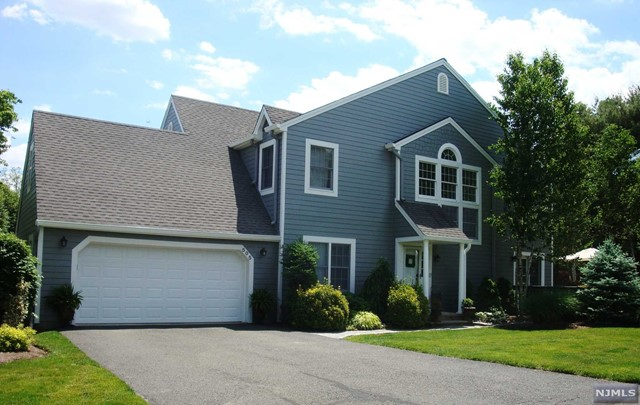 505 Barrister Ct, Wyckoff, NJ 07481
