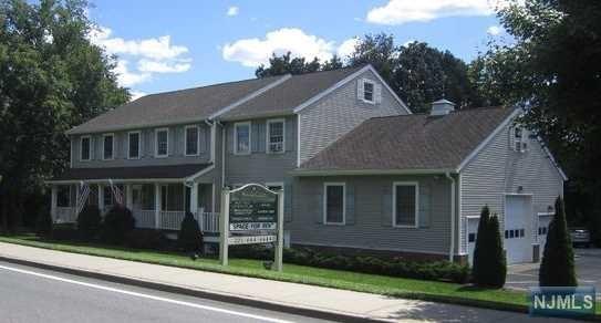 239 Old Tappan Rd, Old Tappan, NJ 07675