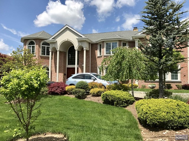 62 Johnson Ave, Englewood Cliffs, NJ 07632