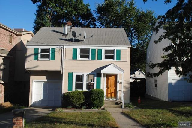 2038 Ellery Ave, Fort Lee, NJ 07024