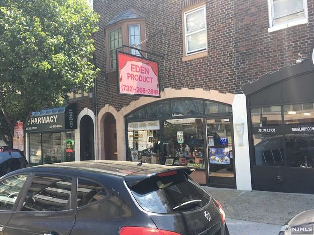 516 Anderson Ave, Cliffside Park, NJ 07010