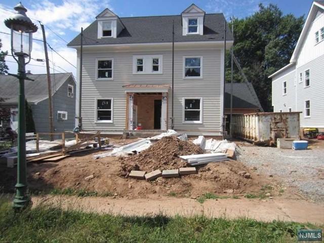 250 Washington St, Glen Ridge, NJ 07028