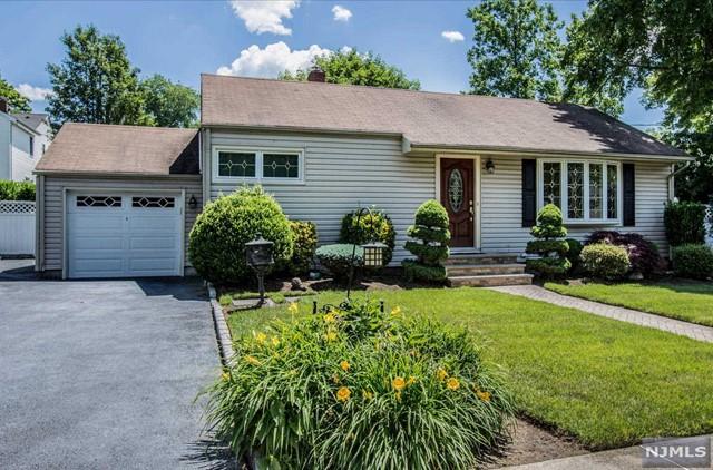 101 Brookfield Rd, Dumont, NJ 07628