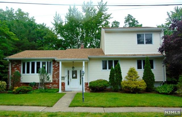 143 Munsey Rd, Emerson, NJ 07630