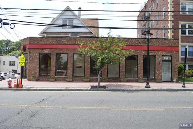 1571 Palisade Ave, Fort Lee, NJ 07024