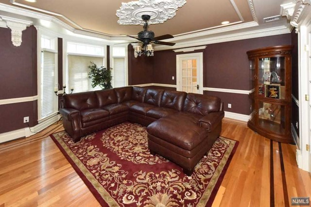 Additional photo for property listing at 6 Finn Ct  Mahwah, 뉴저지,07430 미국