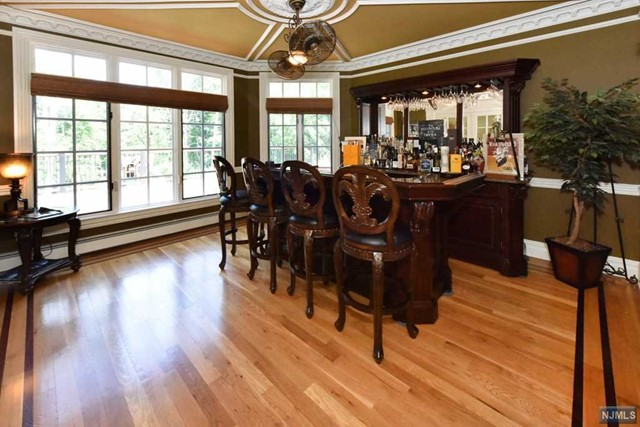 Additional photo for property listing at 6 Finn Ct  Mahwah, New Jersey,07430 Verenigde Staten