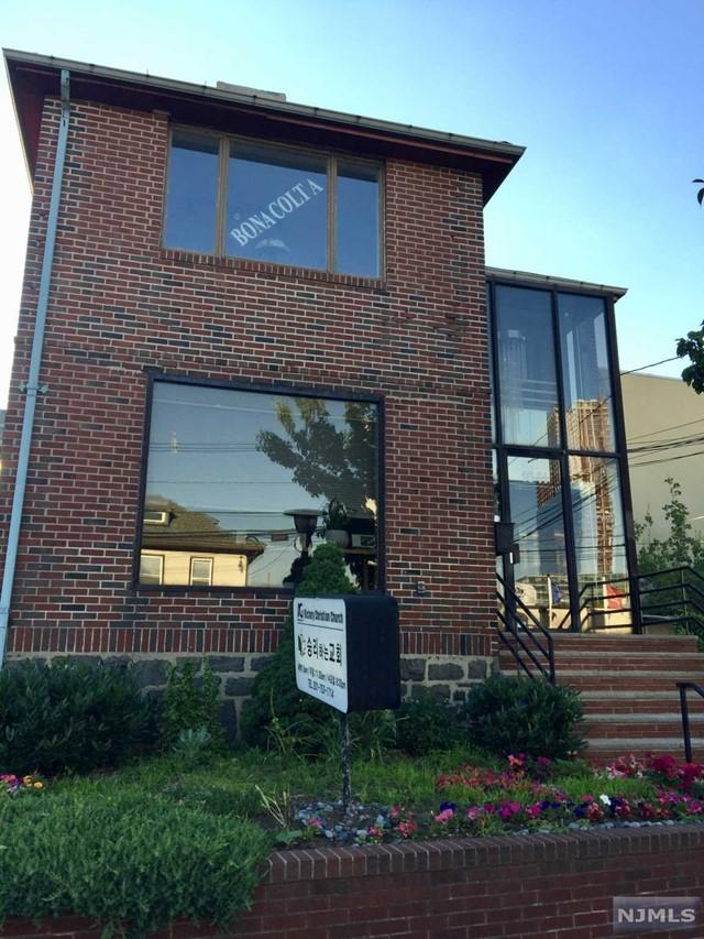 1641 Center Ave, Fort Lee, NJ 07024