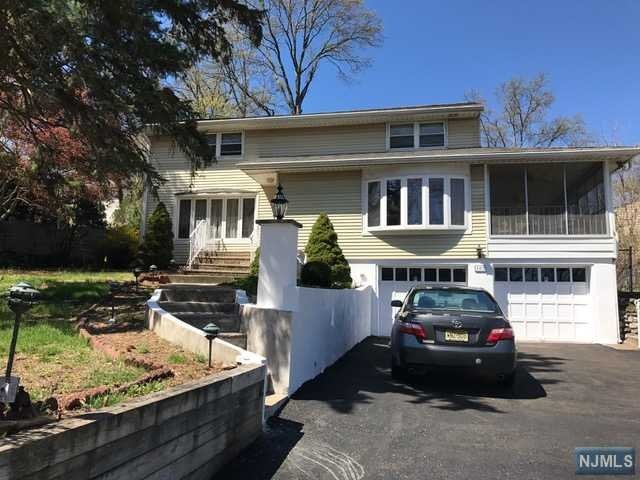 102 Sheridan Ave, Waldwick, NJ 07463