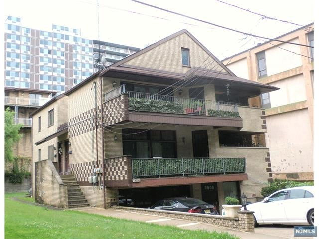 1408 14th St, Fort Lee, NJ 07024