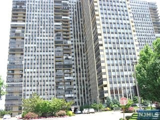 200 Winston Dr 1605, Cliffside Park, NJ 07010