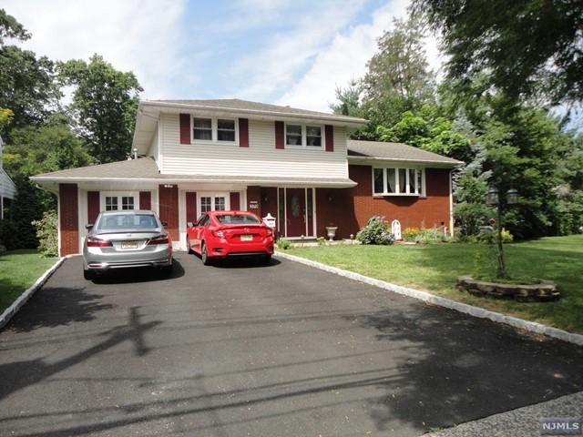 379 Mayhill St, Saddle Brook, NJ 07663