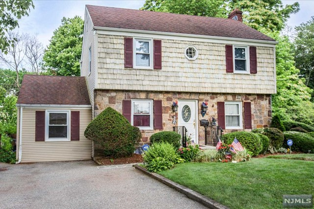 79 Lincoln Ave, Bergenfield, NJ 07621