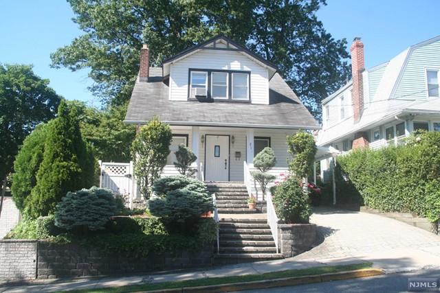214 Tom Hunter Rd, Fort Lee, NJ 07024
