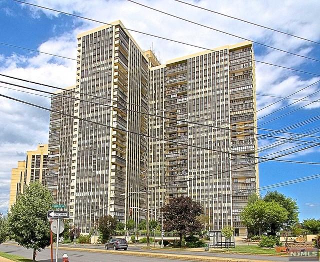 300 Winston Dr 906, Cliffside Park, NJ 07010
