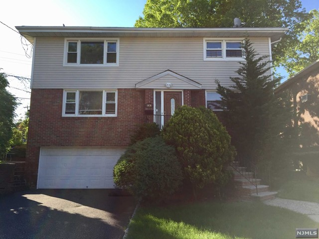 1436 14th St, Fort Lee, NJ 07024