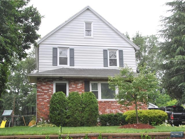 14 Phelps Ave, Bergenfield, NJ 07621