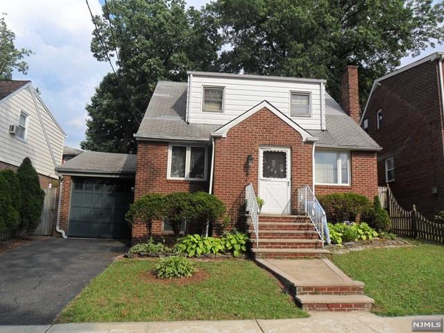 758 Morningside Ln, Ridgefield, NJ 07657