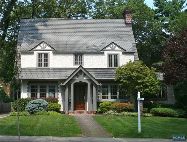 117 Avondale Rd, Ridgewood, NJ 07450