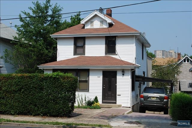 1567 Anderson Ave, Fort Lee, NJ 07024