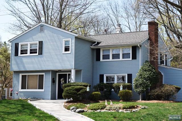 990 Andover Ter, Ridgewood, NJ 07450