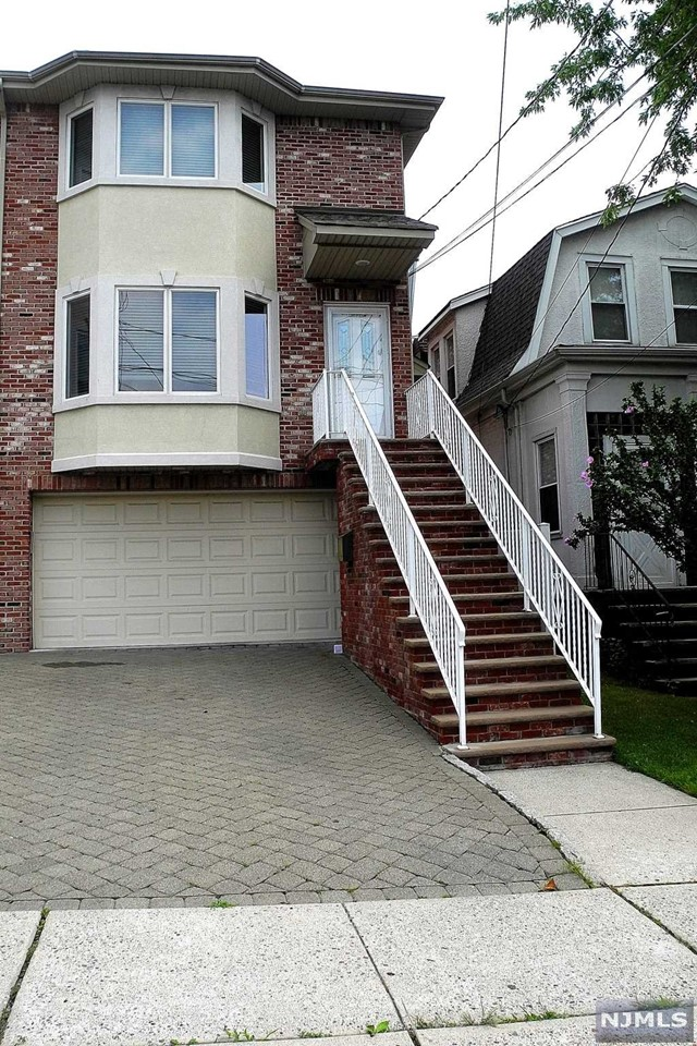 261 Jersey Ave B, Cliffside Park, NJ 07010