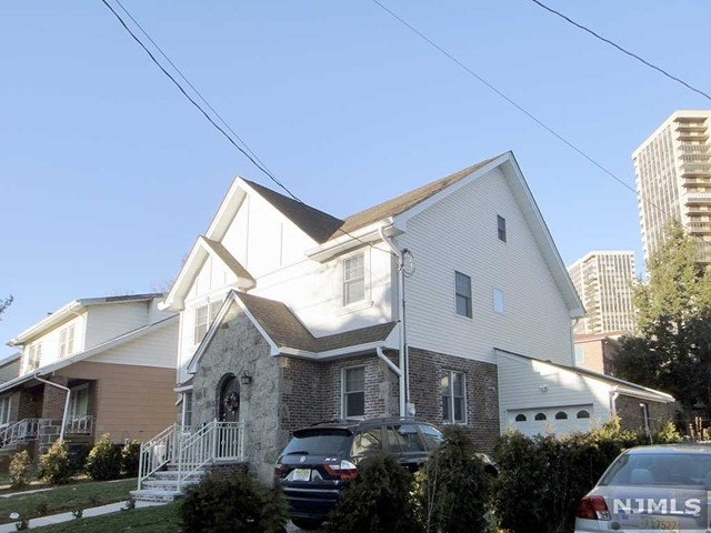 61 Knox Ave, Cliffside Park, NJ 07010