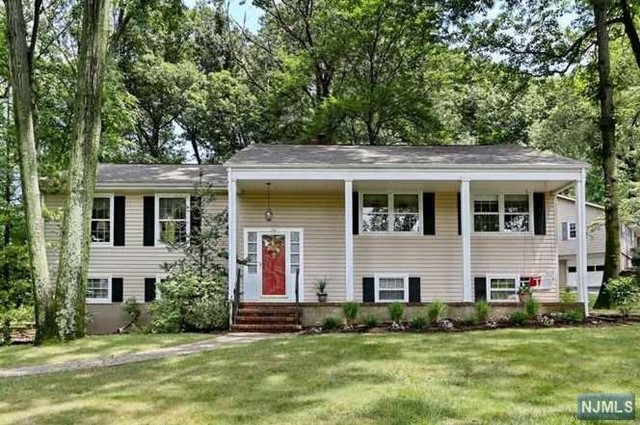769 Hickory Hill Rd, Wyckoff, NJ 07481