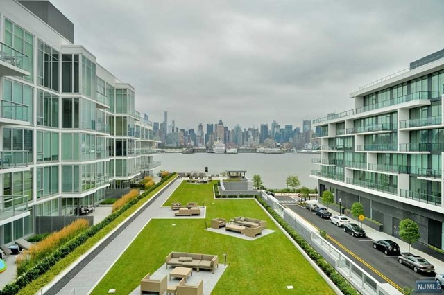 1000 Ave At Port Imperial 501, Weehawken, NJ 07086