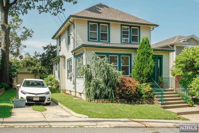 540 Elm Ave, Ridgefield, NJ 07657