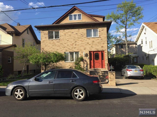 83 Oakdene Ave 1, Cliffside Park, NJ 07010