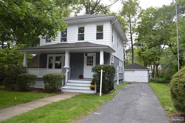 15 Iona Pl, Glen Rock, NJ 07452