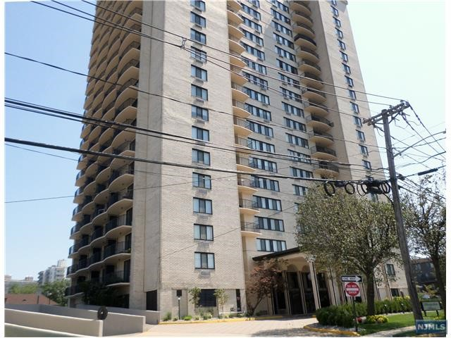 1590 Anderson Ave 9-A, Fort Lee, NJ 07024