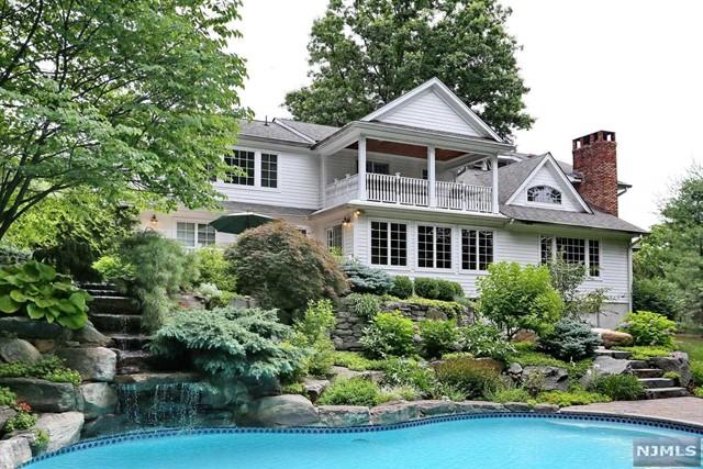 300 Stonycroft Rd, Ridgewood, NJ 07450
