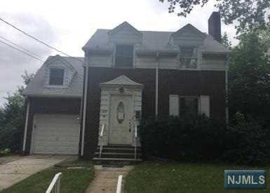 829 Elizabeth St, Ridgefield, NJ 07657